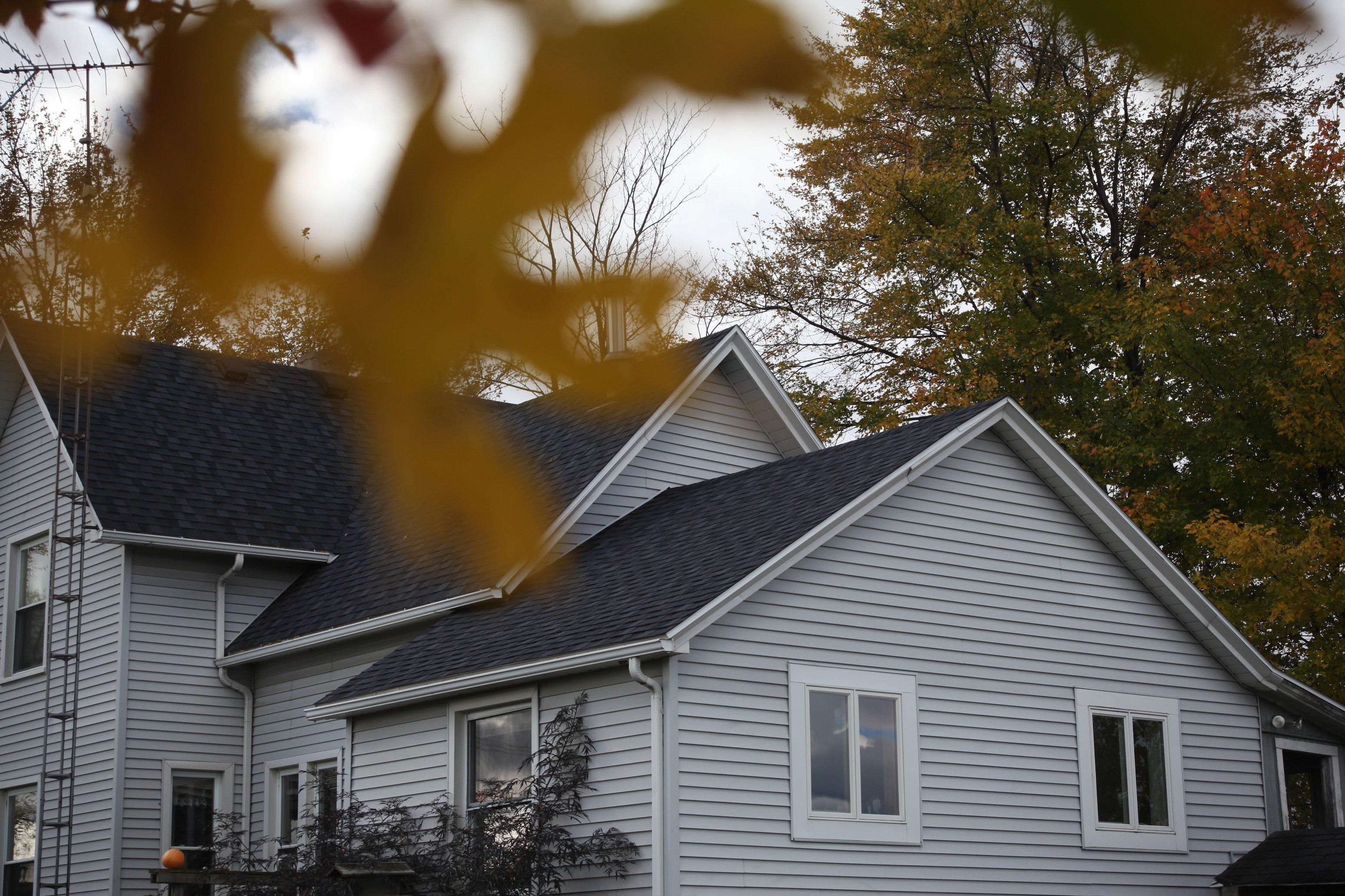 farmhouse w: leaf