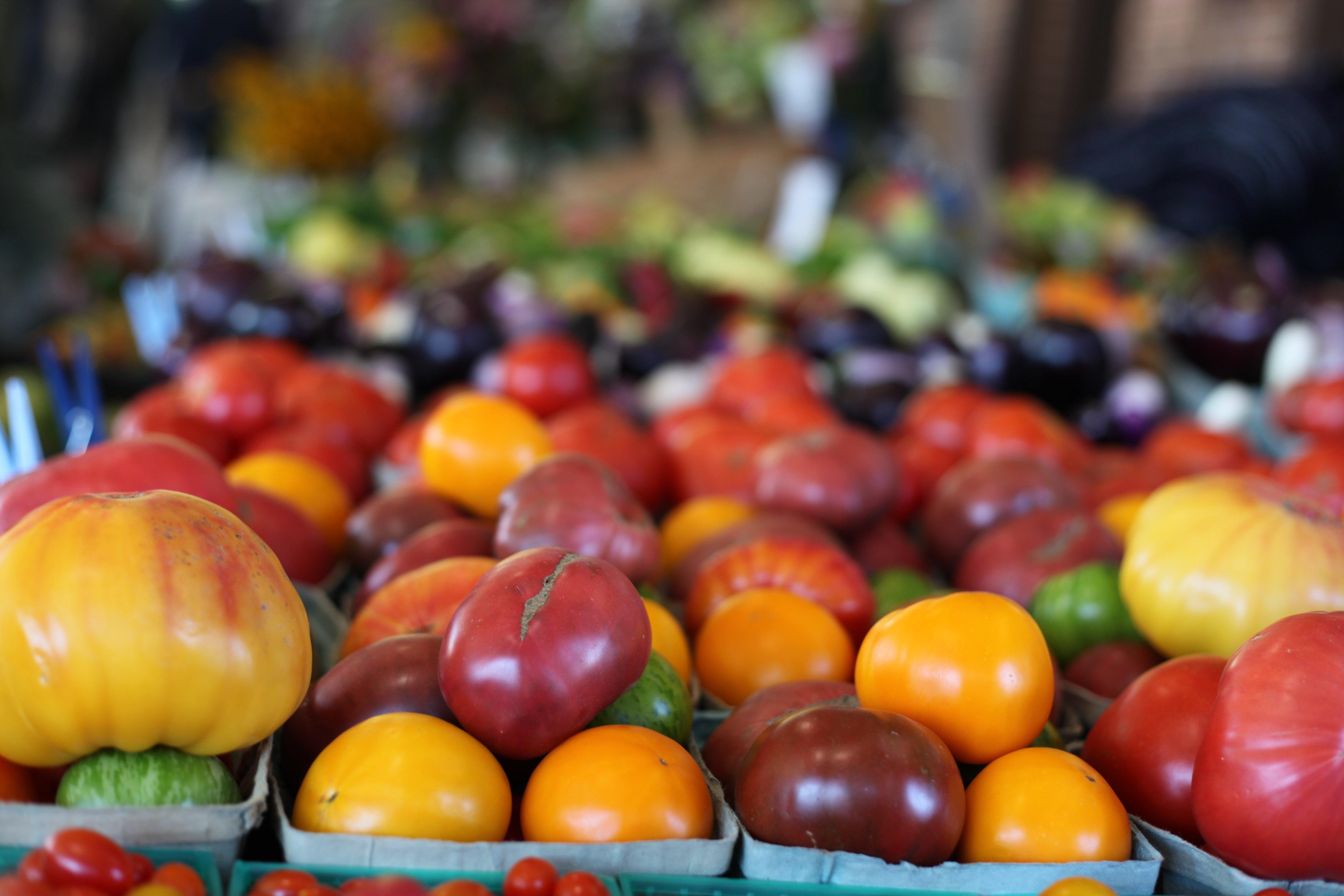 tomatoes w: aperature priority