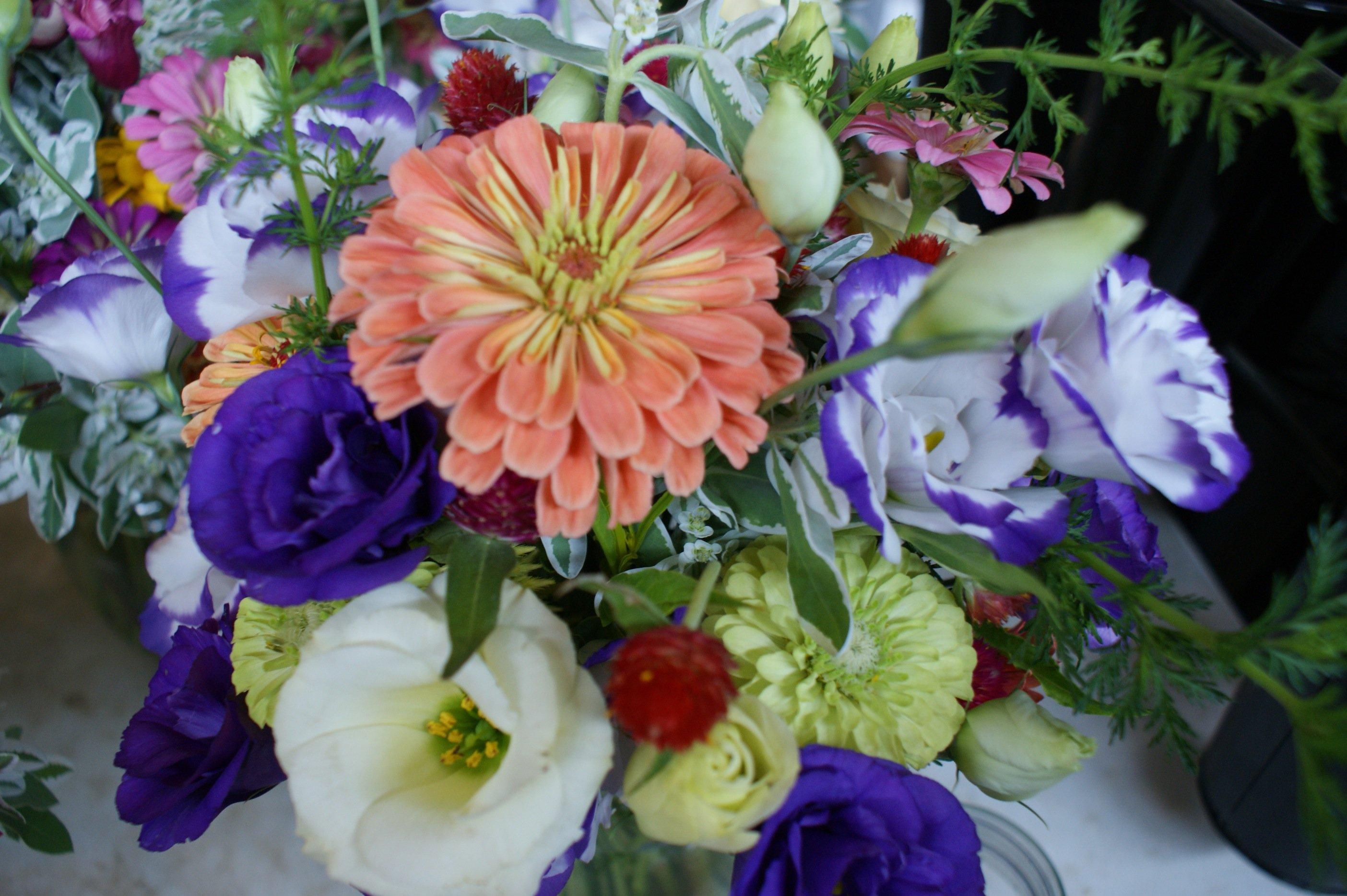 Wedding flowers mid-season