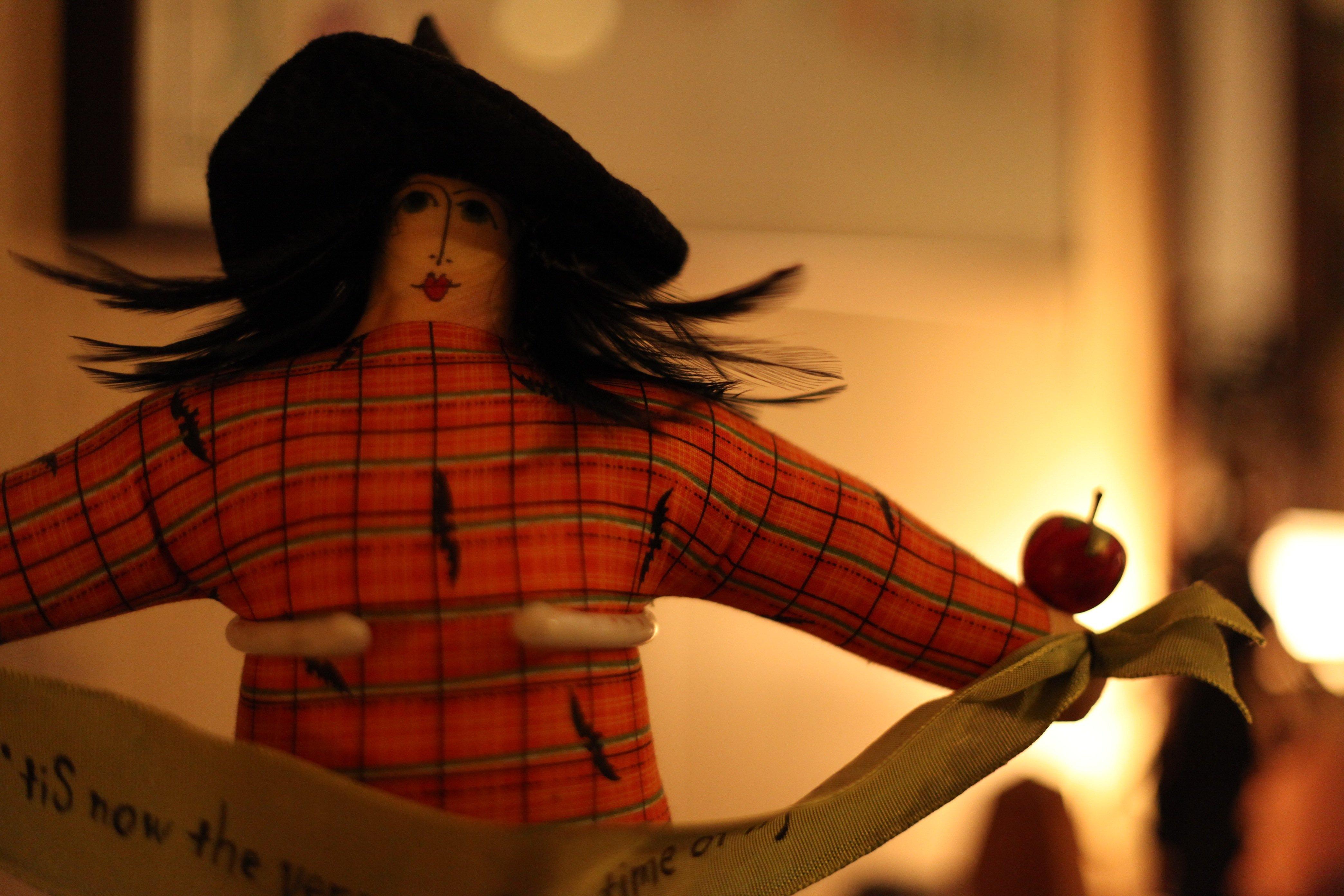 fall pretty witch