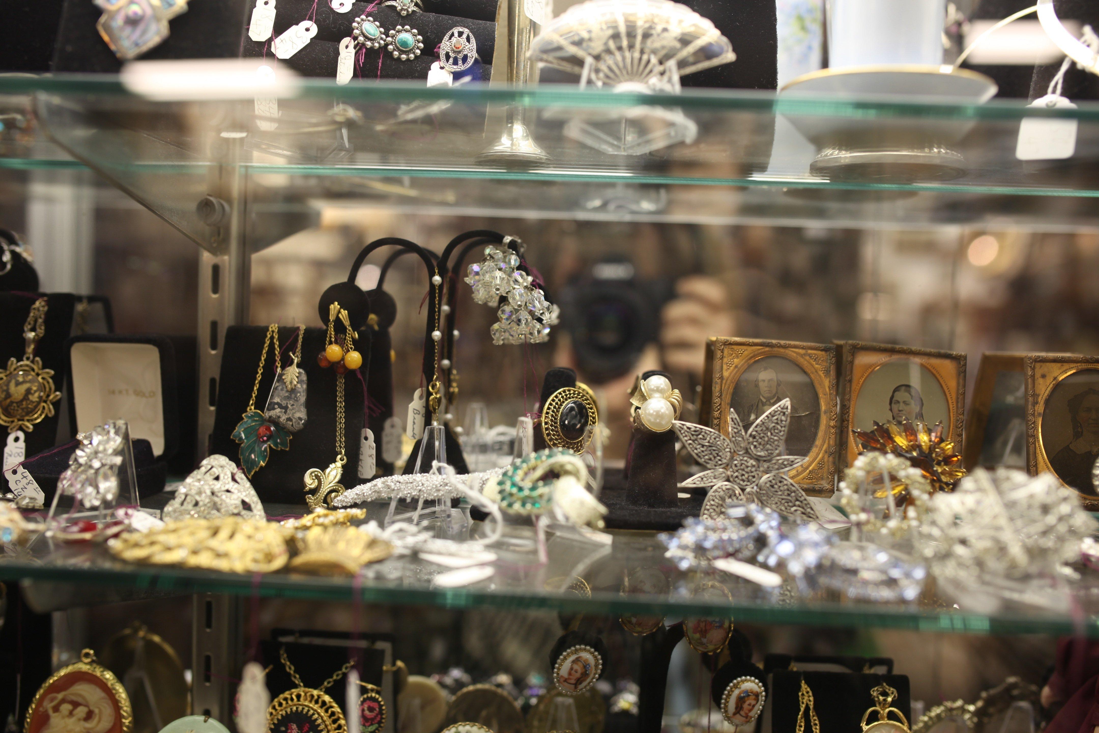 antiques jewlery